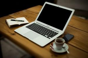 Opstaan, koffie en e-mail
